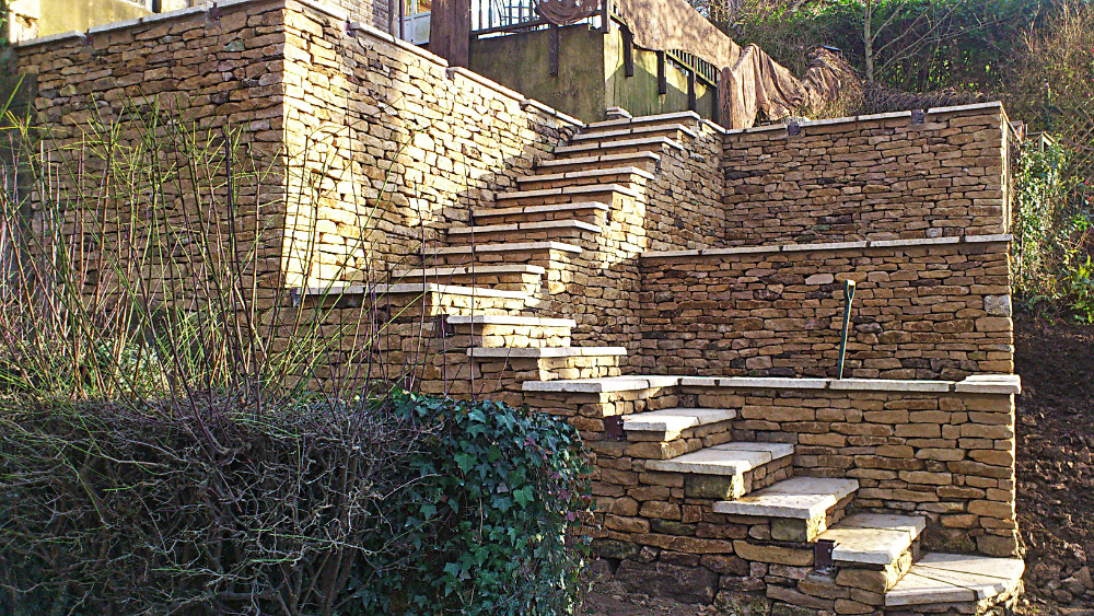 Cotswold drystone walls and steps