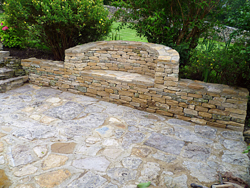 Cotswold drystone bench built in to drystone wall